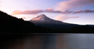 mount hood image from Bertsch Corvallis Moving Company